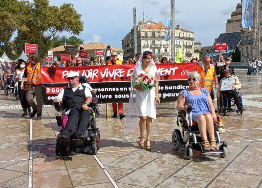 Journée de mobilisation pour la déconjugalisation de l'Allocation Adulte Handicapé à Montpellier